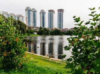 Мосфильмовский пруд по соседству